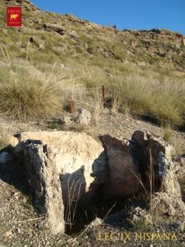 13 - SEPULCRO 239 EN LA RUTA HOYAS DEL CONQUIN ALTO