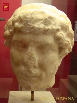 RETRATO DEL EMPERADOR ADRIANO - MUSEO NACIONAL DE ARTE ROMANO MERIDA