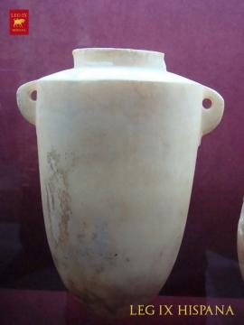 06 – VASO DE ALABASTRO EGIPCIO SIGLOS IX – VII ac NECROPOLIS DE LAURITA