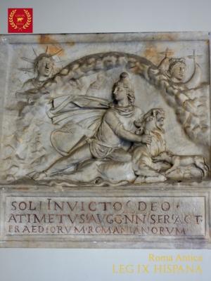 13-sol-invictus-con-mitra