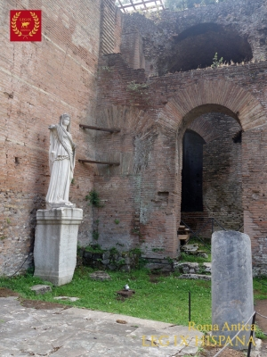 19-accediendo-al-atrium-vestae