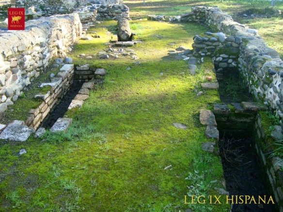sepulturas-necropolis-en-acceso-a-nave-izquie